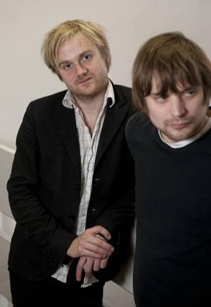 """Hästpojkar. Martin Elisson och Adam Bolméus är Hästpojken. Nu släpper de nya skivan """"Från där jag ropar""""."""