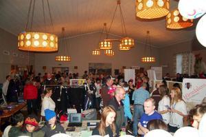 Fullt hus var det under lördagens mässa i Hede.Foto: Carin Selldén