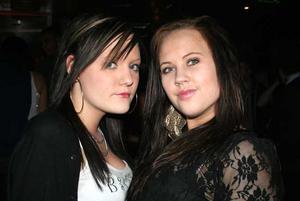 Silk. Alexandra och Johanna