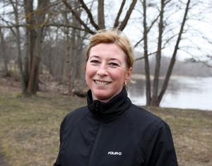 Sonja Landin, jobbar på SEB, 47 år, Gävle:– Ungefär tre gånger i veckan är jag ute och springer eller går. Det får mig att må bättre. Och på mitt jobb erbjuder de oss friskvårdspeng, det är positivt.