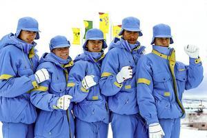 Magnus Åström, Jan Boklöv, Anders Daun, Per-Inge Tällberg och Staffan Tällberg på den tiden då Sverige hade ett landslag i backhoppning. I Calgary-OS slutade Sverige på sjunde plats.Foto: Jan Collsiöö/TT