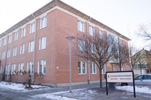 Omsorgsförvaltningen i Avesta kan komma att ge stöd till kvinnojouren om den startas på nytt igen.