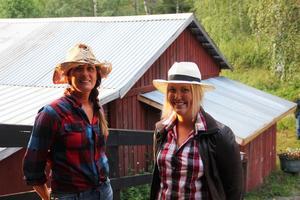 Emmas mamma Maria Svensson och Mathilda Cavallin.