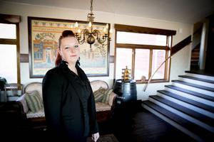 Micaela Olsson har arbetat inom restaurangbranschen länge och säger att hon nu vill bli kock.