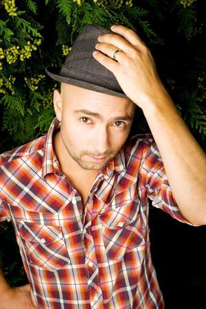 Nikola Sarcevic, sångare i Millencolin, dyker upp som solartist på galan.