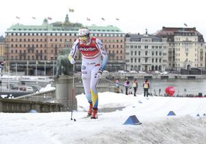 Stina Nilsson kämpar uppför Lejonbacken i kvalet under Slottssprinten 2016.