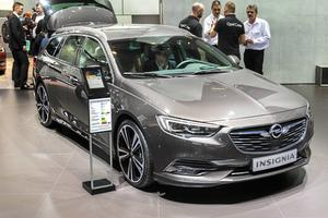 Opels nya Insignia kommer nu även som kombiversion.