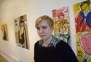 I Galleri K. Angelica Palovaara visar prov på både serietecknande och måleri i sin nya utställning i Gävle.  Foto: Håkan Selén