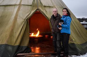 Calle och Åsas verksamhet Naturknuten hotas på grund av en pågående omarrondering av deras markägor.