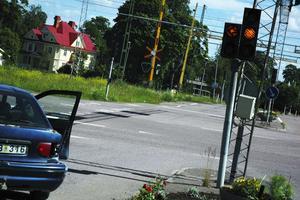 Ur funktion. Trafikljusen har varit ur funktion i flera dagar med bara gult blinkande sken i korsningen riksväg 70-Östra Långatan i Säter och där inträffade kvart över tio på onsdagen en krock mellan en personbil och en lastbil.