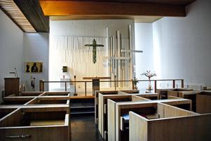 S:t Davidsgårdens kapell i Rättvik med krucifix av konstnären Dagmar Lodén.