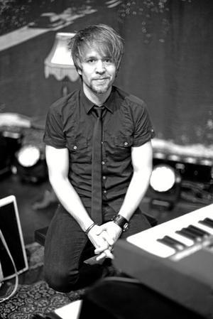 Rickard Nilsson, musiker, med rötterna i Östernärke. Foto: Privat