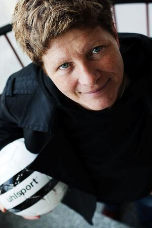 På väg uppåt. Elisabeth Leidinge brinner för att ta SDFF uppåt i seriesystemet.