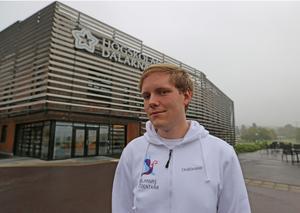 Tom Edoff vid campus i Falun.