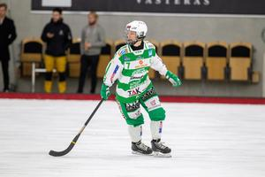 Malin Hedfors i VSK:s grönvita matchmundering.