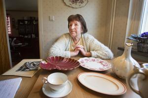 Algy Bsenko har kvar porslin som hon köpte och fick när hon arbetade på