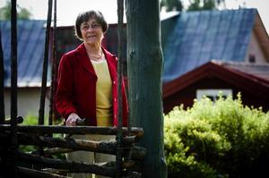 Resglad pensionär. 72-åriga Gunnel Serner från Falun gör det som blivande pensionärer helst vill göra, resa. Förra året var hon till Paris, i våras besökte hon Prag. Snart bär det av till Italien och senare Australien. Foto:Janne Eriksson