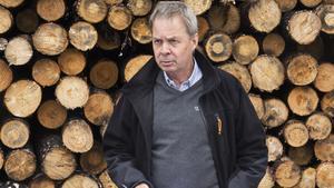 Karl Hedin, här fotograferad vid ett tidigare tillfälle under ett möte med Skogsstyrelsen, fick sin telefon avlyssnad trots att det saknade stöd i lagen. Men åklagaren bedömer att det inte var tjänstefel.