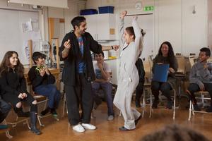 Danne Dahlin och Johanna Lazcarno är några av skådespelarna i föreställningen