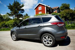Testbilen Ford Kuga drog 8,5 deciliter per mil när jag testkörde den ifjol. Ford uppger att den ska dra 6,2 deciliter.