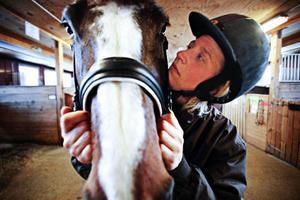Theresa Burwall och hästen Charlette, 10 år. Foto: Robin Lorentz-Allard