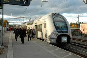 HOPP: Mötet på måndagskvällen om den nya tidtabellen gav pendlarföreningen nytt hopp. Nu ser det ut som om 17.15-avgången med regionaltåget från Stockholm kan stanna i Tierp.