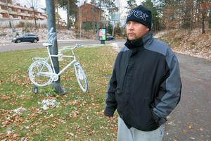 Alexander Berner tycker att man borde ge cyklister företräde när de korsar avfarten från E18.