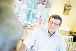 Socialdemokraten Rolf Lilja ser ungdomsarbetslöshet som en av de stora utmaningarna i framtiden. Med mer pengar i den kommunala kassan vill han och hans parti satsa på fler lärare och fler personal i vården, ytterligare fler arbetstillfällen genom en satsning på renovering av kommunala byggnader och en vuxenutbildning för att stärka ungdomars möjligheter till att få arbete och arbetslivserfarenhet.