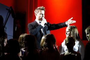 I november ger sig Magnus Carlsson och Roosarna ut på kyrkoturné igen.
