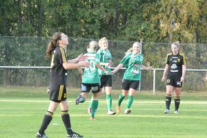 Inhopparen Mathilda Byström har gjort 3–1 för Själevad som vann den oerhört viktiga bottenmatchen mot Umedalen.    Foto: Sören Häggkvist