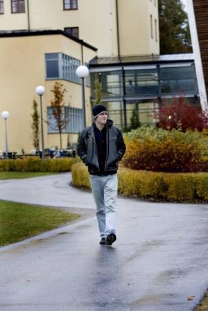 """VILL HA BÄTTRE TILLGÄNGLIGHET. """"Det vore önskvärt att lärarna var mer tillgängliga för studenterna"""", säger Rickard Petrés, ordförande i studentkåren på Högskolan i Gävle"""