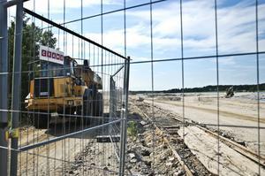 Saneringsarbetet fortsätter vid Stugsundsudden och det ska förhoppningsvis vara klart i augusti.