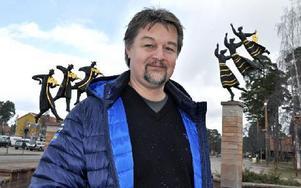 Håkan Johansson är styrelseledamot i Rättvik Handel, och till vardags ägare till Bokstaven. Efter diskussioner beslutade man gemensamt att ställa in årets fyrverkerier.