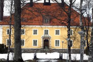 Till salu. Laxå Herrgårds framtid är ännu ett oskrivet blad. Fastighetsägaren hoppas på köpare eller hyresgäster.