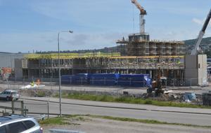 Bygget med äldreboendet på Norra kajen blir klart första december 2017.