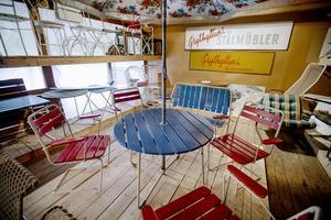På senare år har företaget byggt upp ett museum över sina produkter, bland annat genom att leta upp och köpa tillbaka möbler, till exempel den här fina gruppen från 50-talet.