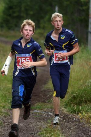 Tuff strid om segern in i det sista hade Benjamin Näslund och Arvid Strandberg i juniorklassen.