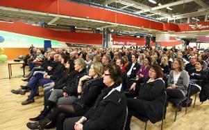 Det var väldigt stor uppslutning på innerplan i velodromen när Jens Spendrup höll sitt anförande.FOTO: JOHNNY FREDBORG