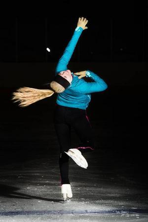 Elly Olsson, 15 år, Frösön.Det är en så allsidig sport, man tröttnar aldrig.