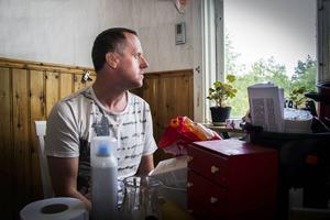 Arbetarbladet träffade Mikael Lindh 2014 kort efter händelsen med den missade obduktionen.