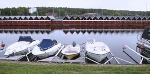 Köpings hamn och området intill skulle kunna bli attraktivare, anser insändarskribenterna.