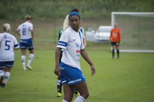 Maya Pitts är den fjärde amerikanskan i truppen. Under tisdagskvällen gjorde hon sin debutmatch för IFK Timrå.