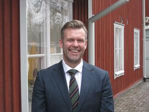 Aroseken blir Pax. Henric Björkman, en av 13 mäklare hos Aroseken som från 1 januari skriver Pax fastighetsmäkleri på visitkortet.