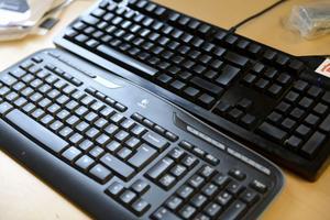 Kan du se skillnaden? Skulle du klara av att sitta hemma och skriva på ett tangentbord utan symboler?