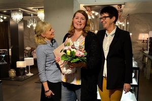 Från vänster: Malin Karlsson, butiksägare Cervera i Stenstan, Kajsa Persson Östlund, Eva Eriksson, Mittmedia.