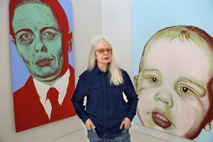 Marianne Lindberg De Geer har verkat som konstnär i över 30 år. Nu romandebuterar hon med boken