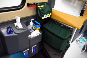 Med den nya ambulansen når personalen de väsentligaste delarna mycket enklare.