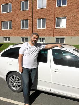 Känner sig lurad. Nils Mårtensson åkte 100 mil för att köpa en miljöbil i Örebro. En bil som inte alls var miljövänlig.Foto: Privat