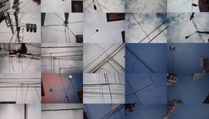 """""""Densen"""". Konstvideo med elledningar och stolpar som ritar linjer i skyn. Anna Linder har gjort filmen som är aktuell i  julprogrammet på Gävles, Sandvikens och Tierps videovisningsstationer."""