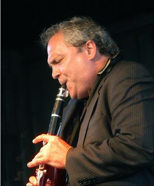 Ken Peplowski, världsstjärna inom swingmusiken.